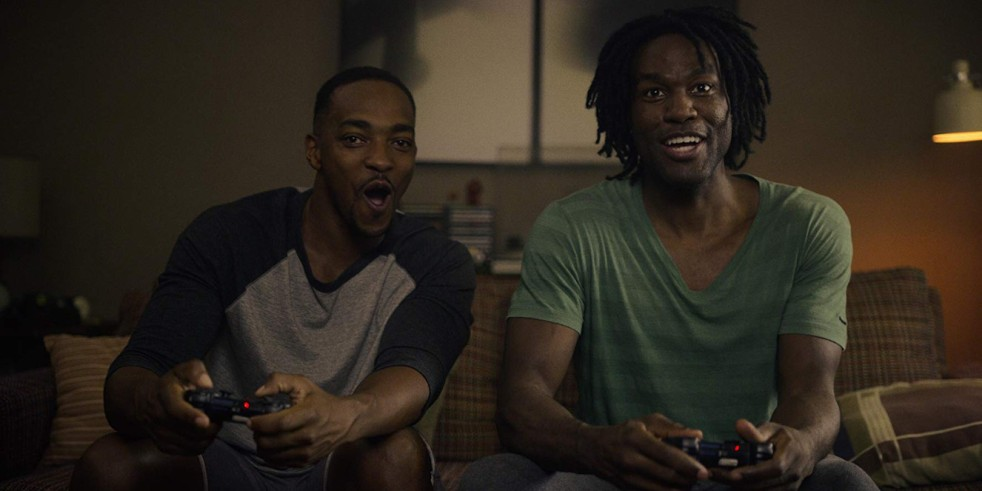 Anthony Mackie and Yahya Abdul-Mateen II in Black Mirror: Striking Vipers